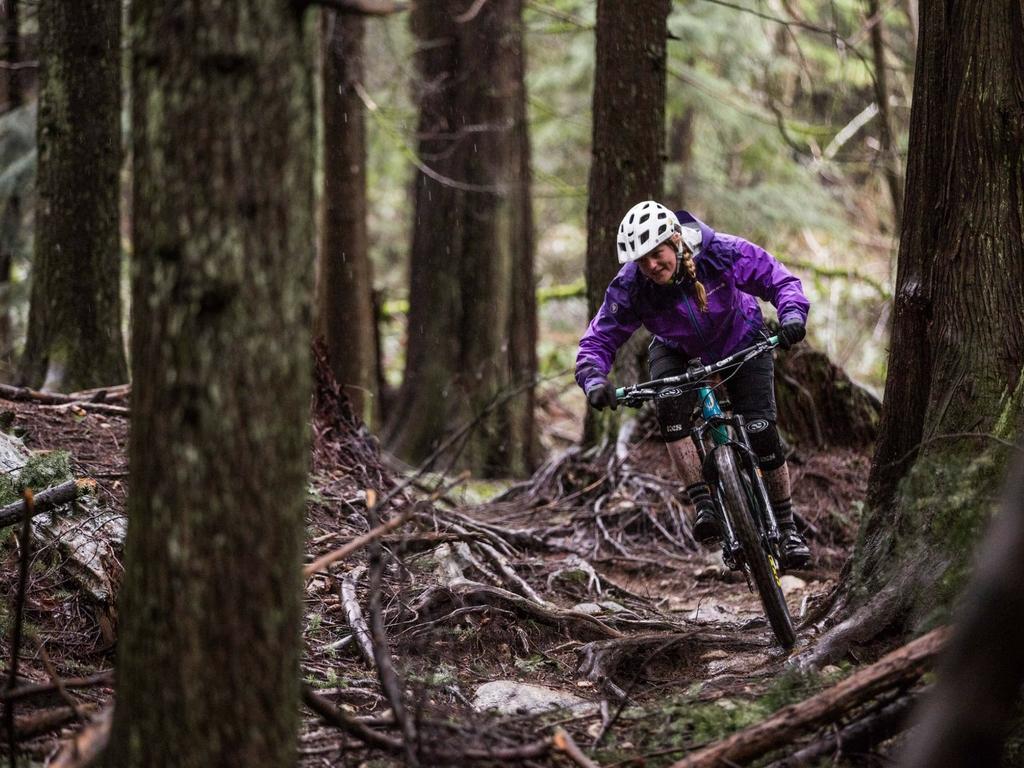 Women s Specific Wet Weather Mountain Bike Gear - News   Press ... 292b73a526